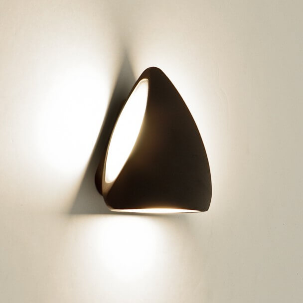 Applique LED triangle aluminium noire design - Bowa