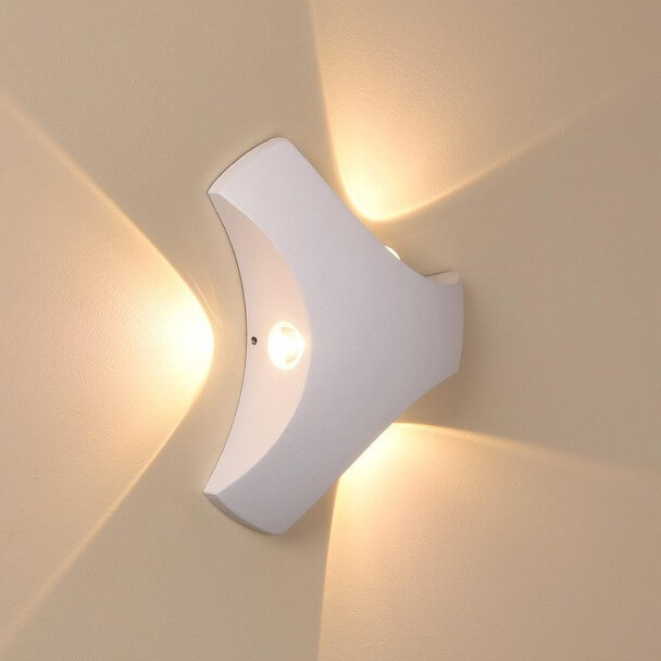 Applique murale triangle blanche led boomerang - Applique murale blanche ...